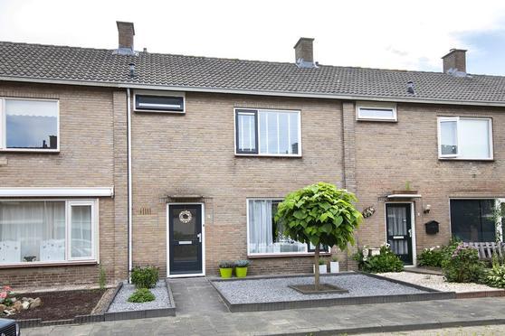 Kraan 17 in Oud Gastel 4751 EP