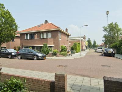 Burg. Gaarlandtstraat 32 in Gorinchem 4205 CC