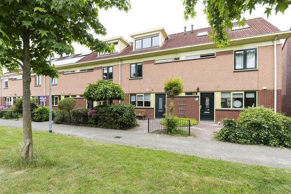 Ravelplantsoen 10 in Nieuw-Vennep 2151 GS