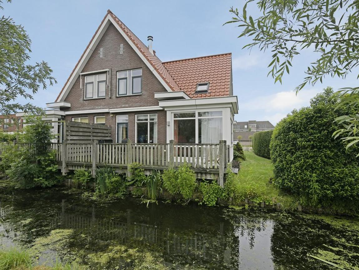 Einsteinstraat 158 in Reeuwijk 2811 EZ