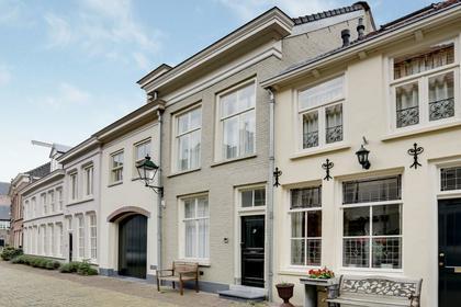 Sint Jacobstraat 9 in 'S-Hertogenbosch 5211 LP
