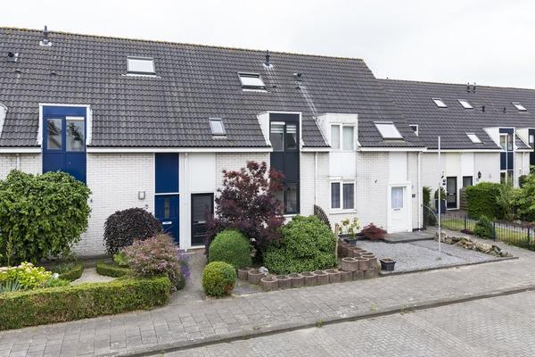 Klaproosstraat 48 in Nieuw-Vennep 2153 CS