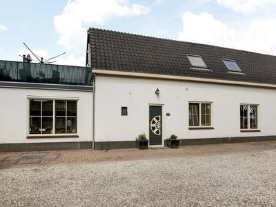 Prinses Beatrixstraat 18 in Eck En Wiel 4024 HM