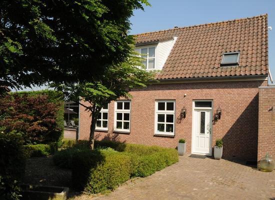 Helsedijk 6 in Willemstad 4797 SK