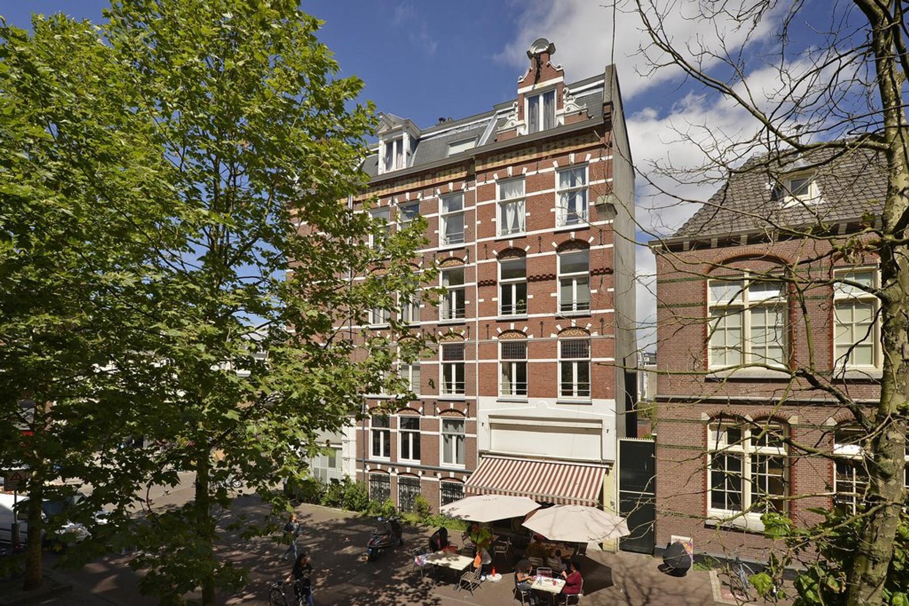 Eerste Sweelinckstraat 1 2 in Amsterdam 1073 CK