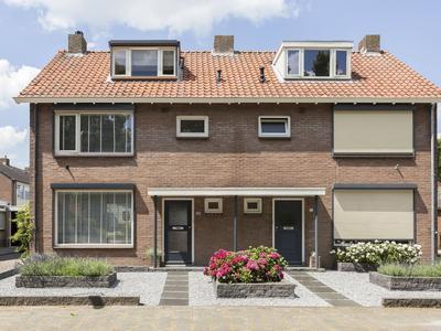 Rijnstraat 15 in Doornenburg 6686 ME