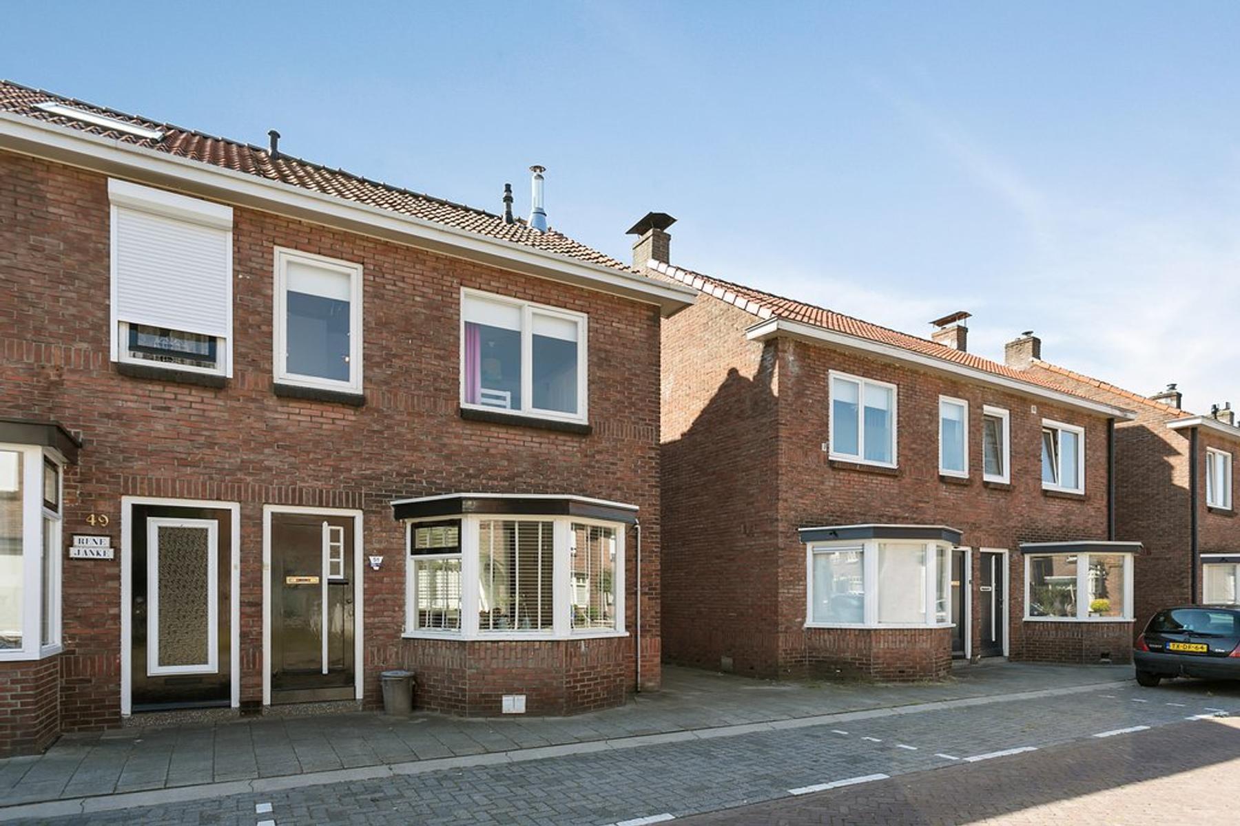 Eikstraat 51 in Enschede 7545 JB