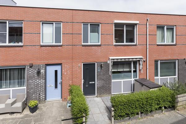 Rheezerveld 24 in Nieuw-Vennep 2151 JE