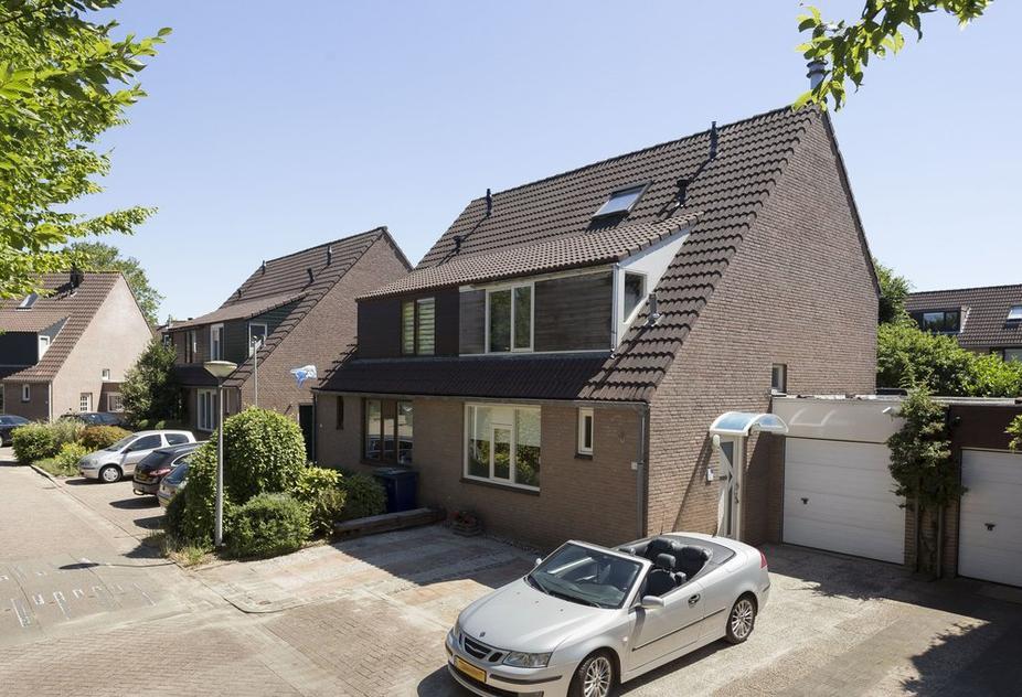 twee-onder-eenkapwoning met garage te koop Almere Haven Muidergouw 59
