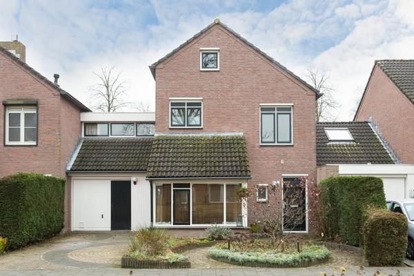 Floris Versterstraat 12 in Oosterhout 4907 PA
