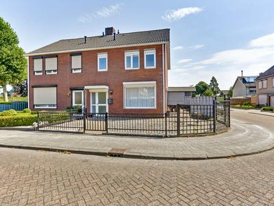 Valkendonk 54 in St. Willebrord 4711 LD