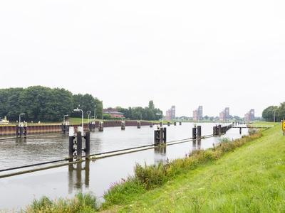Zeislaan 15 in Oosterhout 4904 VC