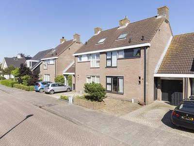 Parlevinker 27 in Nieuw-Vennep 2152 LC
