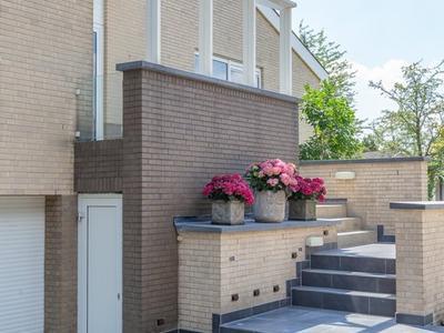 Lennondreef 22 in Tilburg 5012 AT