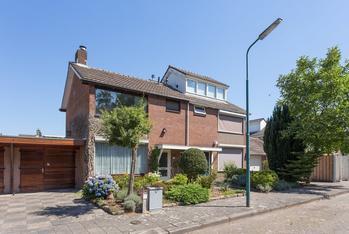 Hertenhoek 100 in Prinsenbeek 4841 SP