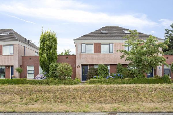 Marie De Roodelaan 15 in Enschede 7545 RT