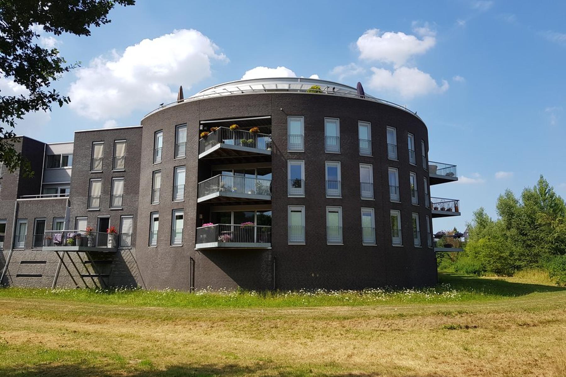 Velderwoude 7 in 'S-Hertogenbosch 5221 PA