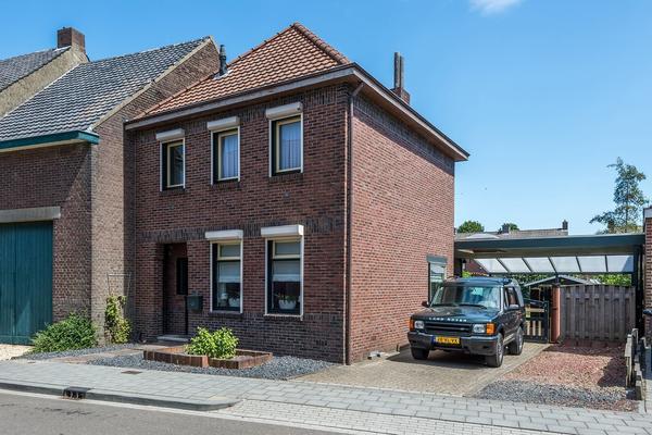 Heilig Kruisstraat 57 in Grevenbicht 6127 CB