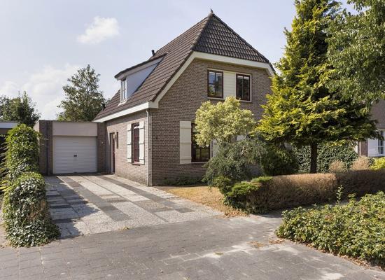 Akkerwindestraat 6 in Zevenbergen 4761 ZG
