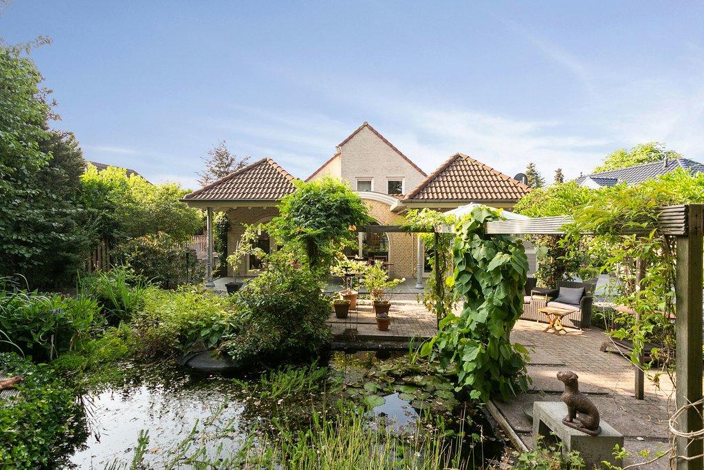 Stadrijk 127 a in uden 5403 nh: woonhuis te koop. derks makelaardij