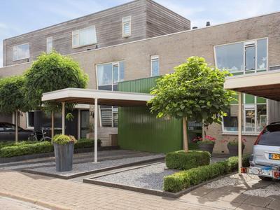 Toermalijndijk 50 in Roosendaal 4706 TH