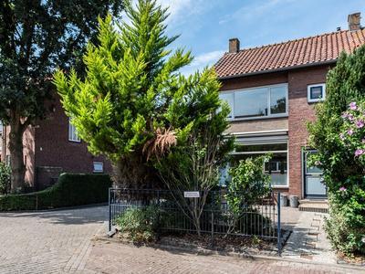 Lorentzweg 11 in Lekkerkerk 2941 VC
