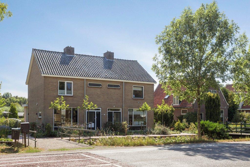 Zuiderweg 111 a in zuidoostbeemster 1461 gg: woonhuis te koop