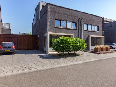 Celine Klinkenberghstraat 12 in Sittard 6136 TK