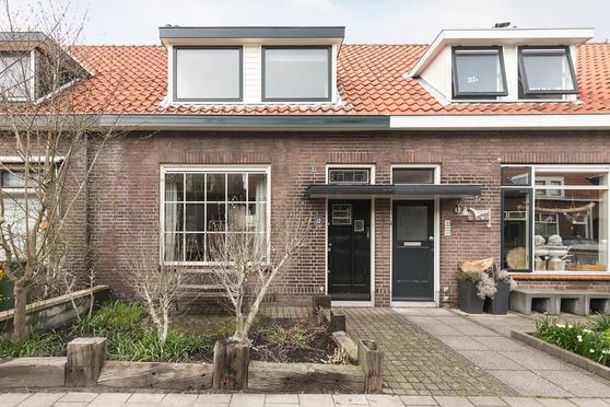 Post Van Der Burgstraat 12 in Delfgauw 2645 AP