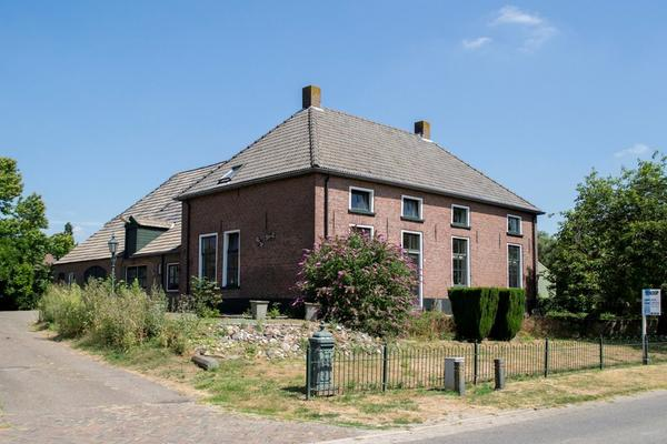 Meester Van Coothstraat 51 in Lith 5397 LL
