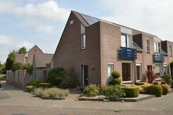 Hulsbos 22 in Liessel 5757 BZ