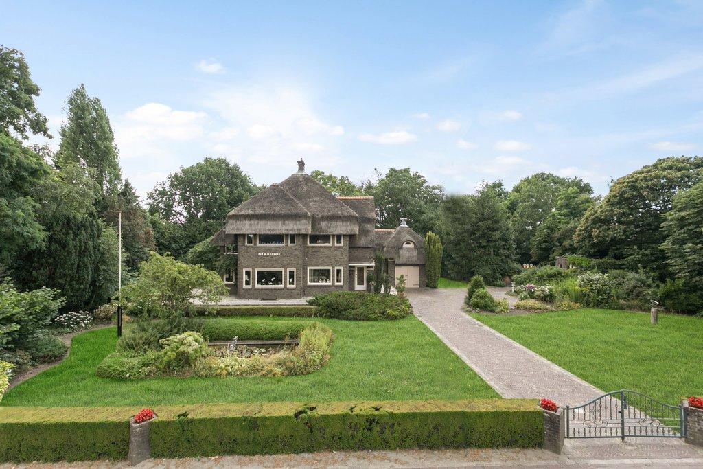 Badkamer Verwarming Domo : Grotestraat 1 in sambeek 5836 aa: woonhuis. makelaardij nooijen