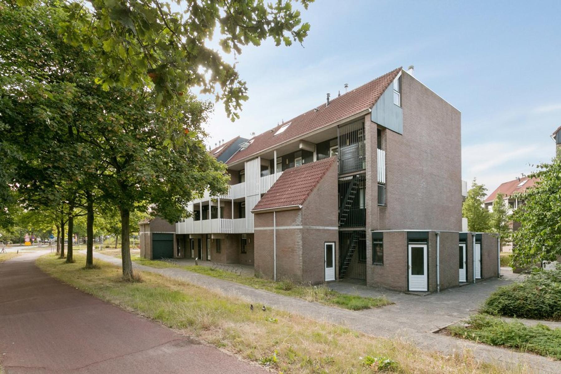 Schuilenburg 22 in Leeuwarden 8926 KR
