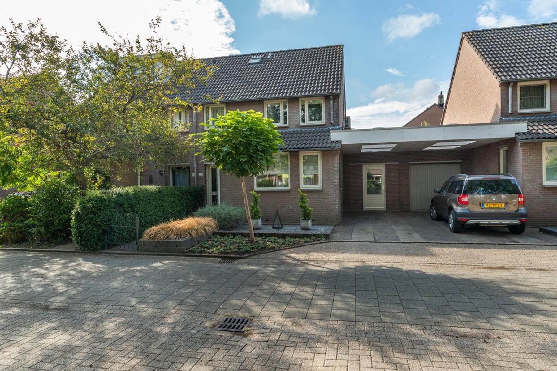 Sluisweg 60 in 'S-Hertogenbosch 5235 AH
