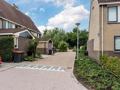 Eems 63 in Uithoorn 1423 CS