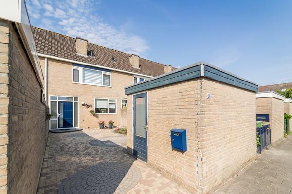 Witbol 16 in Kampen 8265 ET