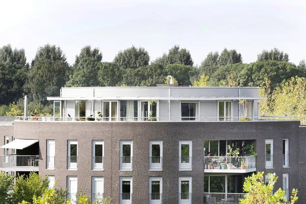 Velderwoude 33 in 'S-Hertogenbosch 5221 PB