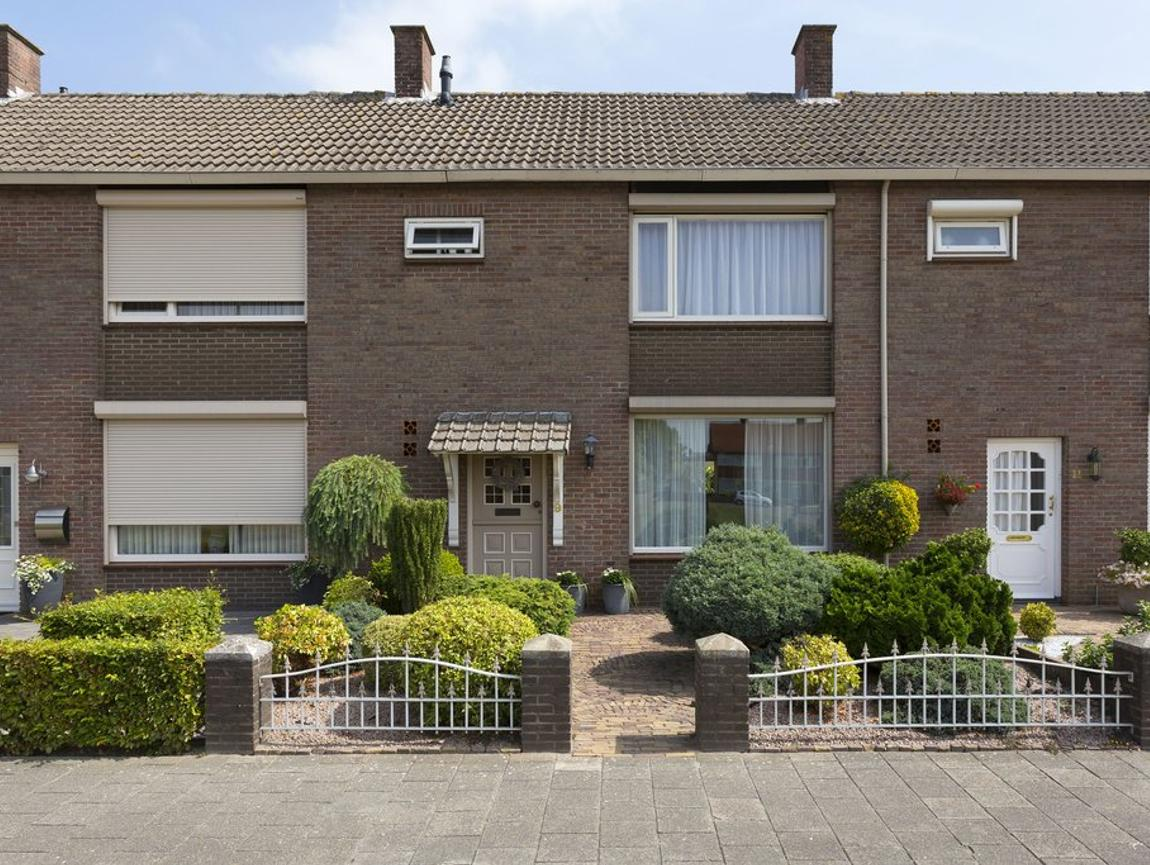 Vlierstraat 9 in Oudenbosch 4731 AX