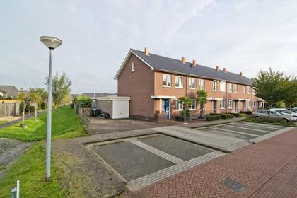 Scharenburg 17 in Zoelen 4011 EJ