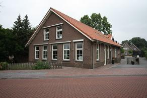 Oosteinde 263 in Vriezenveen 7671 BA