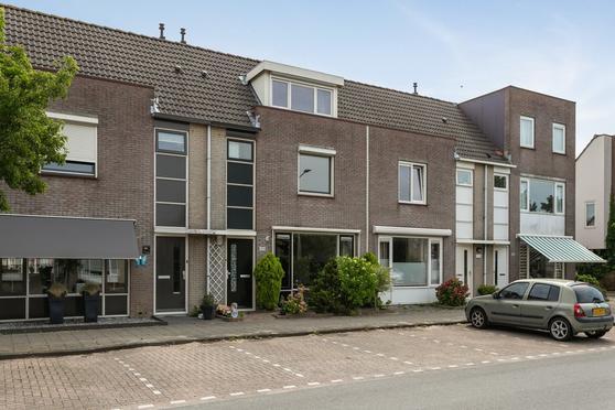 Schoonenburgsingel 112 in Hoofddorp 2135 GD