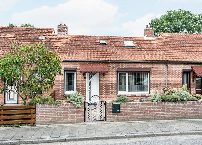 Leeuwerikstraat 6 in Hoensbroek 6432 JB