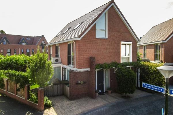 Brucestraat 15 in Opijnen 4184 DJ