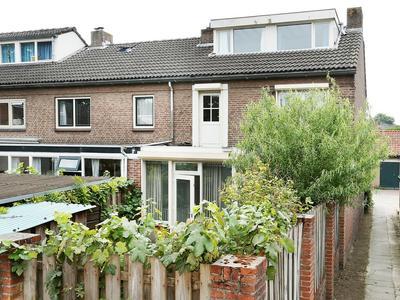 Antoon Van Weliestraat 11 in Vught 5261 AP