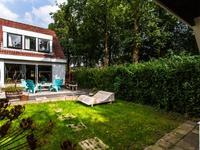 Oosterhoutstraat 48 in Almere 1324 ZT