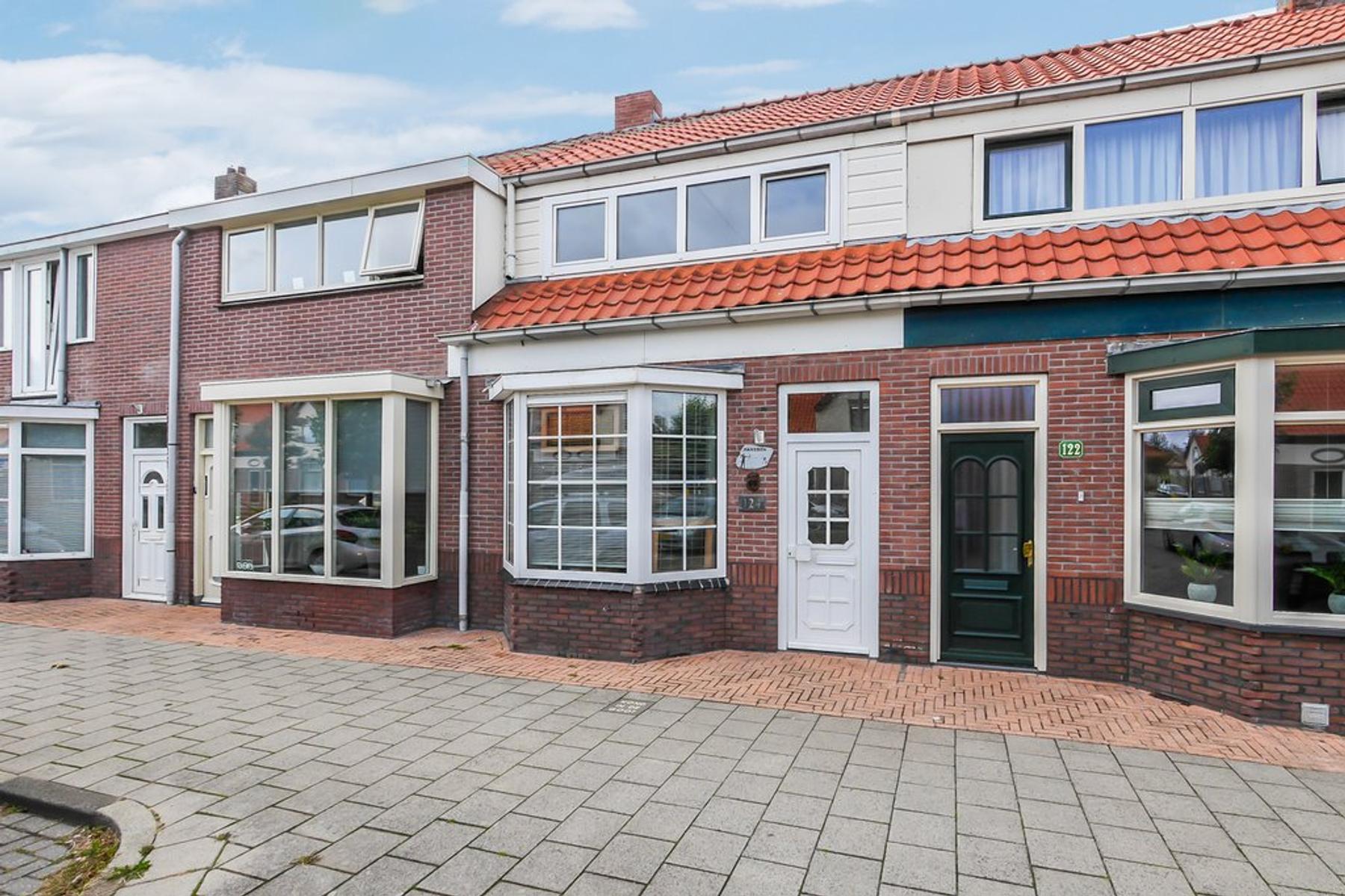 Brakkeveldweg 124 in Den Helder 1782 AK