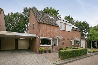 Else Mauhsstraat 133 in Hengelo 7558 RJ