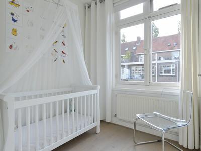 Roerstraat 41 3 in Amsterdam 1078 LJ
