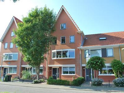 Wayesteinsingel 201 in Nieuw-Vennep 2151 KV
