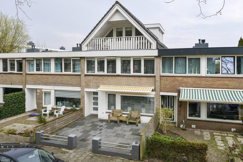Olmenlaan 81 in zwanenburg 1161 jt: woonhuis te koop. barnhoorn